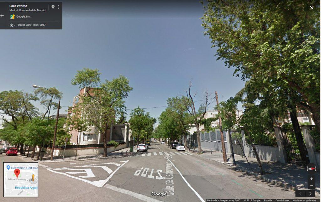 Comienzo de la calle Carbonero y sol, en la zona conocida hasta 1878 como Cerro del Viento y desde entonces como Altos del Hipódromo.
