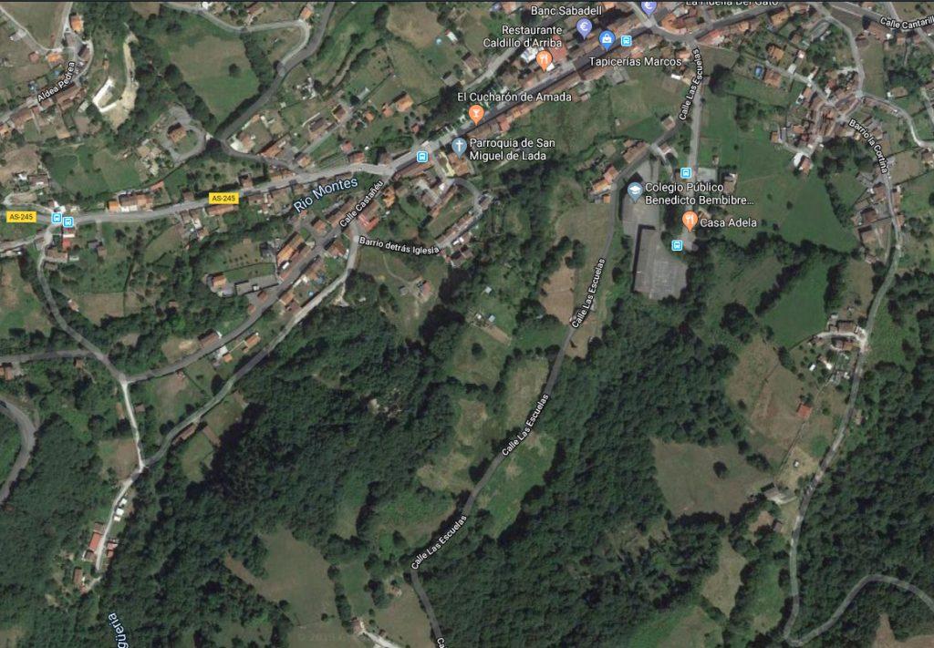 Bosques al sur de la parroquia de S. Miguel de Lada, donde víctimas de la Revolución fueron arrojadas a un pozo minero.